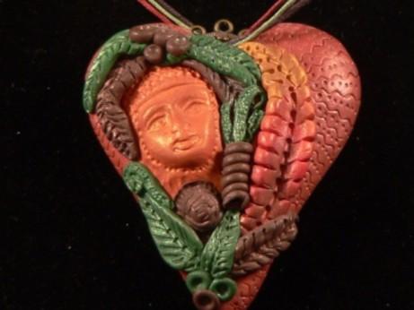 Srdce Matky Země, přívěsek na krk